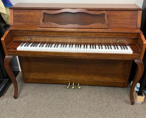 Yamaha M305 Console Piano